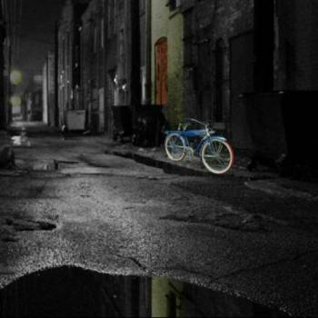 rainy alley w bike